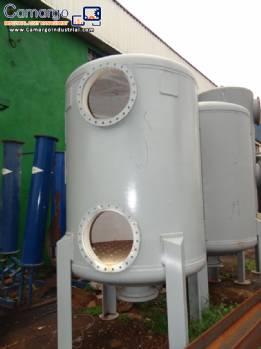 Pressure vessel softening filter
