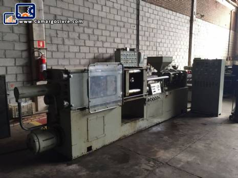 injection machine Oriente