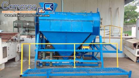 Hammer mill for recycling