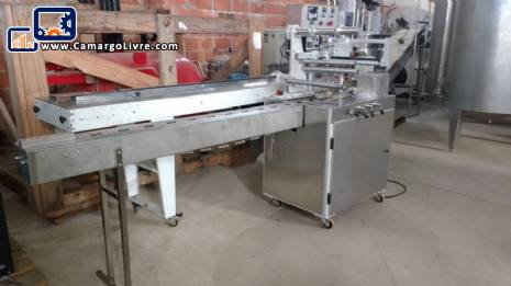 Flow pack wrapping machine Milpack